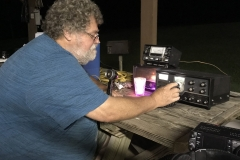 N4FV warming up the 1960's Swan 500 on Saturday night for 40 meter phone. Contrary to popular belief, yes, it does require manual tuning and doesn't automatically change frequencies with each QSO.